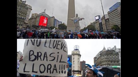 Hinchas argentinos se congregan en el Obelisco para ver la final del Mundial