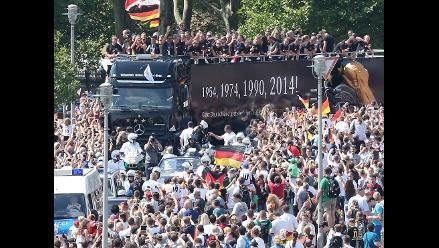 Selección alemana aterrizó en Berlín para celebrar campeonato mundial