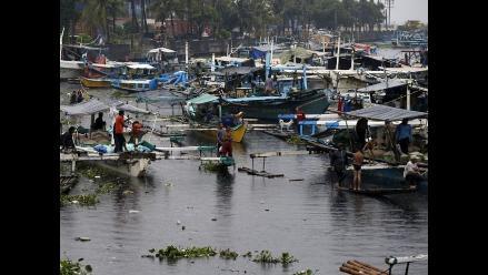 Evacuan a más de 80.000 filipinos ante la llegada de tifón Rammasun