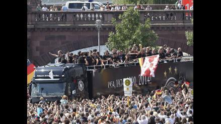 Mira el espectacular recibimiento de la selección de Alemania en Berlín
