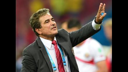Jorge Luis Pinto afirma que no ha recibido ofertas de selección peruana