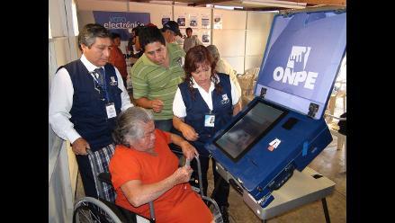ONPE aprueba reglamento del voto electrónico para implementación gradual