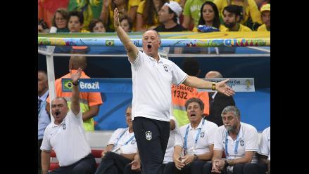 Club planea contratar a Luiz Felipe Scolari pese al fracaso mundialista
