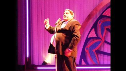 Carlos Álvarez lleva divertido show