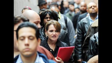 Caen pedidos de subsidio de desempleo en EE.UU.