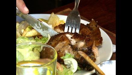El pollo a la brasa y sus excéntricas combinaciones