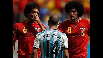 Argentino se tatuó a Javier Mascherano enfrentando a Witsel y Fellaini