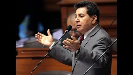 León: Perú Posible anunciará el lunes si apoya candidatura de Solórzano