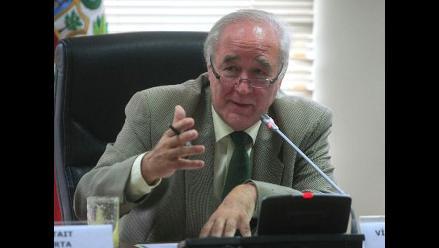 García Belaunde: Cornejo me llamó sobre complot pero no me convenció