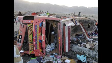 Pakistán: al menos 13 muertos en un accidente de autobús