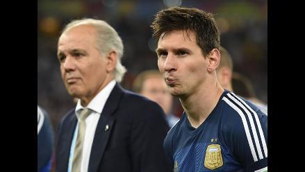 Sabella aún no decide si sigue como técnico de Argentina y defiende a Messi