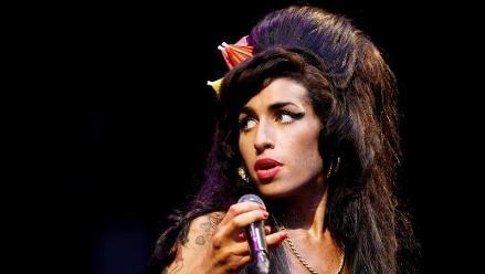 Amy Winehouse: recuerda sus más sonados escándalos