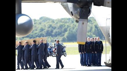 Llegan a Holanda los dos aviones con restos de las víctimas del MH17
