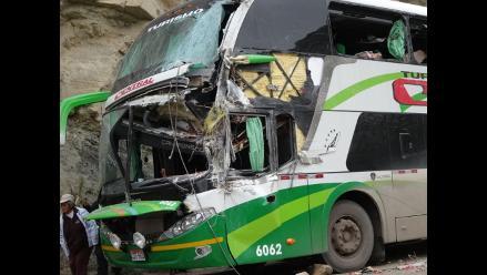 Tarma: despiste y choque de bus deja diez pasajeros heridos