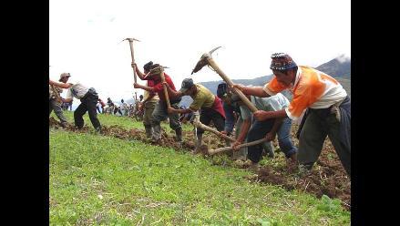 Campesinos iniciaron paro de 48 horas en el Cusco