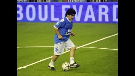 Maradona se mandó dos golazos en partido benéfico en Córdoba