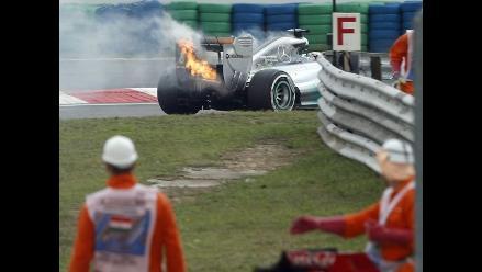 Así fue el incendio del auto de Lewis Hamilton en la Fórmula 1