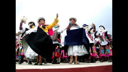Concurso de Tunantada organizado por Los Pihuinchos en Fiestas Patrias
