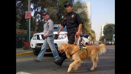 Policía canina inspeccionó la avenida Brasil ante cualquier atentado