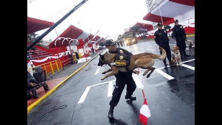 Inspección de la Unidad Canina en la Gran Parada Militar