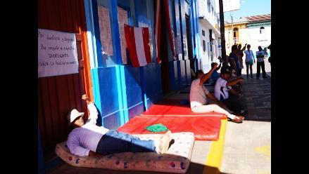 Yurimaguas: siete docentes radicalizan su protesta con huelga de hambre