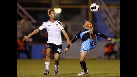 Valencia perdió en el último minuto ante la Universidad Católica