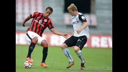 Carlos Zambrano presente en derrota del Eintracht Frankurt con Sampdoria
