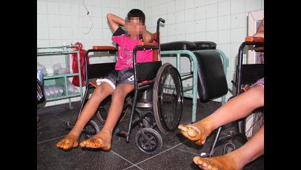 Trujillo: niño y madre se queman los pies en brasas de caña de azúcar