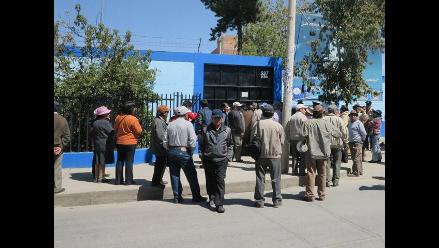 Pobladores protestan en Sedam Huancayo por falta de agua potable