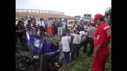 Rioja: tres muertos deja choque entre ómnibus y mototaxi