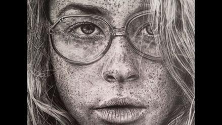 Mónica Lee reta a la realidad con el carboncillo de sus finos lápices