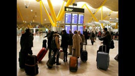 Peruano de 88 años murió en el aeropuerto internacional de El Salvador