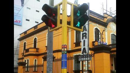 Cusco: inescrupuloso chofer que se pasó luz roja será denunciado