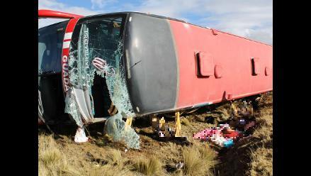 Junín: al menos 21 muertos deja despiste de ómnibus