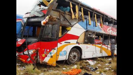 Identifican a 8 de los 21 fallecidos en accidente de bus en Junín