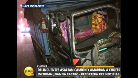 Delincuentes asaltan camión repleto de víveres en Chaclacayo