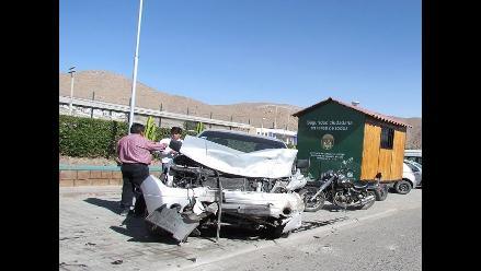 Choque de vehículos deja ocho heridos en Arequipa
