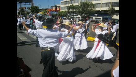 Se inició el corso de la amistad por el aniversario de Arequipa