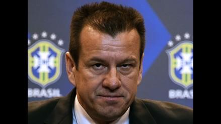 Dunga se plantea como reto reconquistar crédito de Brasil tras el Mundial
