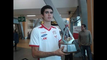 Diego Elías retornó a Perú luego de ganar el Mundial Junior de Squash