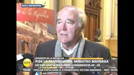García Belaunde pide a Mayorga que renuncie a su cargo