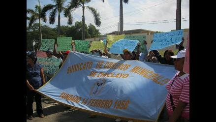 Chiclayo: obreros municipales amenazan con paro en contra de alcalde
