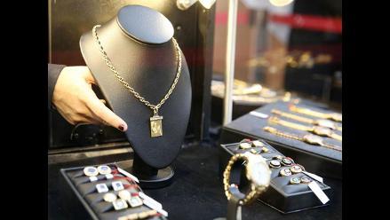 Más de medio millón de soles se recaudó con subasta de joyas de Montesinos