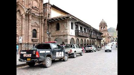 Cusco: sujeto mordió mano a policía en plena vía pública