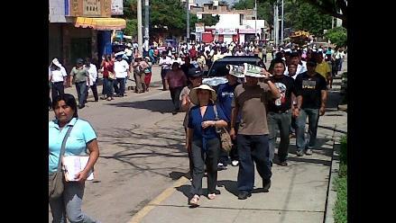 Pasco: centenares de padres marchan contra alza de pasaje
