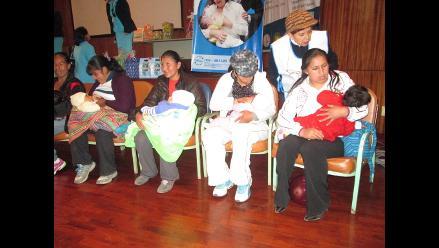 Arequipa: 40 % de madres no cumplen recomendaciones de lactancia materna