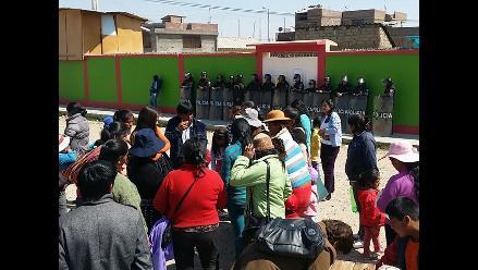 Huancayo: padres protestan exigiendo salida de directora