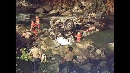 Arequipa: chofer que conducía camión cisterna murió en el hospital