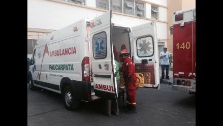 Arequipa: cisterna cae a barranco dejando un herido