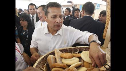 Humala inaugura feria gastronómica en un patio del Palacio de Gobierno